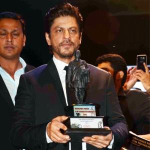 Shah Rukh Khan honoured with Dadasaheb Phalke Film Foundation Award 2015