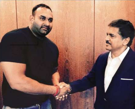 Inderjeet Singh and Anand Mahindra